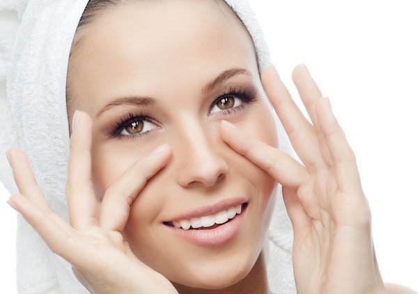 Masaż twarzy - przeciwzmarszczkowy, ujędrniający jak go zrobić?